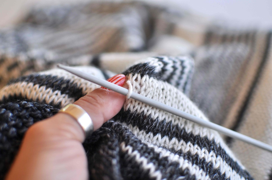 How to tighten loose stitches in knitting and german short rows - La Maison R...