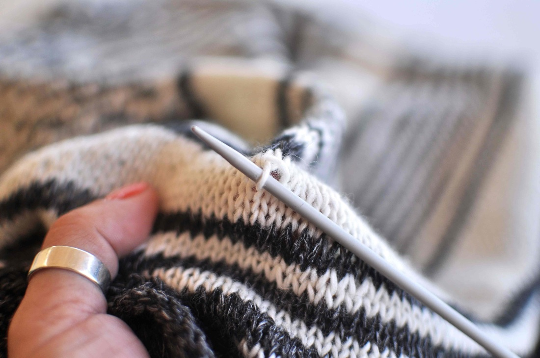 Loose Stitches In Knitting : How to tighten loose stitches in knitting and german short rows - La Maison R...