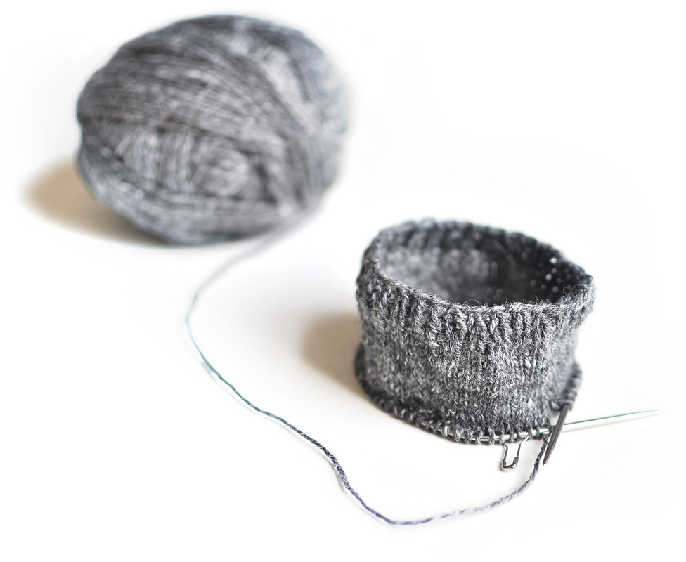 Schoppel-Wolle on knittingtherapy blog, by La Maison Rililie