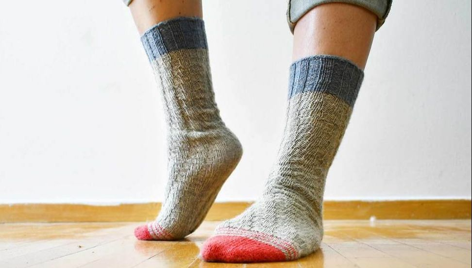 Free No-Heel Spiral Socks by La Maison Rililie Designs